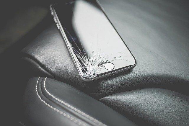 画面割れしているiPhoneは下取りできる?
