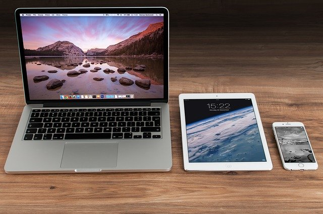 iPadとノートパソコン