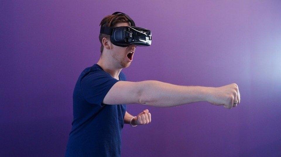 VRゲームで楽しみながら